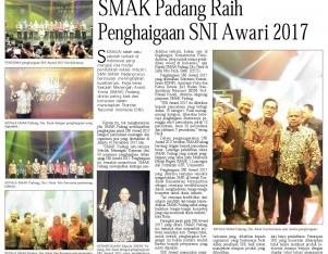 SMAK Padang Raih Penghargaan SNI Award 2017