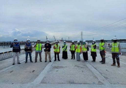 Pelaksana Proyek Jalan Tol Semarang – Demak, butuh standar geometrik jalan dan standar bambu untuk pelapis fondasi