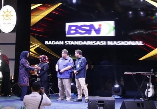 Unit Layanan Informasi Terpadu BSN Raih Penghargaan Pelayanan Publik
