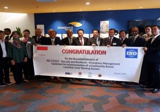 """Standar """"Guidelines for implementation of a community-based landslide early warning system """"yang diusulkan Indonesia disetujui untuk dipublikasikan menjadi standar ISO 22327"""