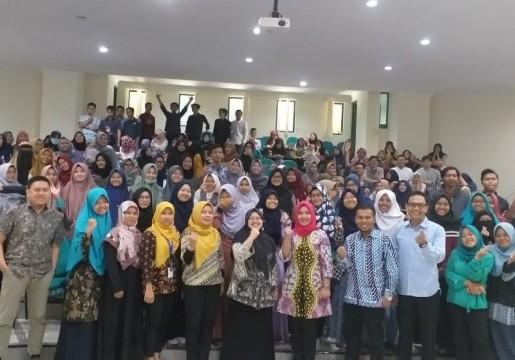 Terapkan Mata Kuliah Standardisasi, Prodi D3 FMIPA UII Yogyakarta adakan Kuliah Umum Standardisasi