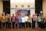 Penyerahan Sertifikat Akreditasi Lembaga Sertifikasi Penyelenggara Perjalanan Ibadah Umrah