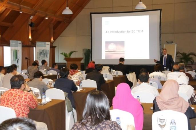 BSN Selenggarakan Seminar IEC/TC 31 dan IECEx System