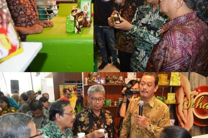 Kepala BSN bersama Sekjen Kemenperin Syarif Hidayat Buka iqe 2016