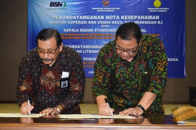 Penandatanganan Nota Kesepahaman Menteri Koperasi dan Usaha Kecil dan Menengah dengan Kepala Badan Standardisasi Nasional
