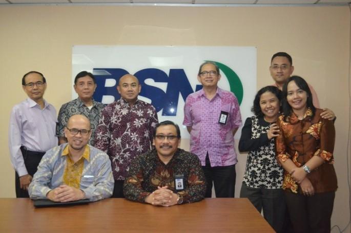 Kepala BSN Bambang Prasetya didampingi Deputi Bidang Penerapan Standar dan Akreditasi BSN Suprapto, Kepala Pusat Akreditasi Lembaga Sertifikasi BSN Konny Sagala, serta Kepala Bidang Akreditasi Laboratorium Penguji BSN Fajarina Budiantari menerima kunjunga