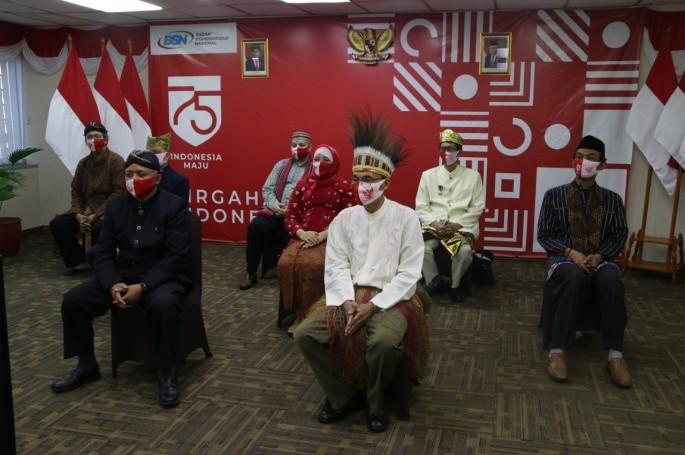 Pejabat BSN Ikuti Upacara Penurunan Bendera Sang Merah Putih