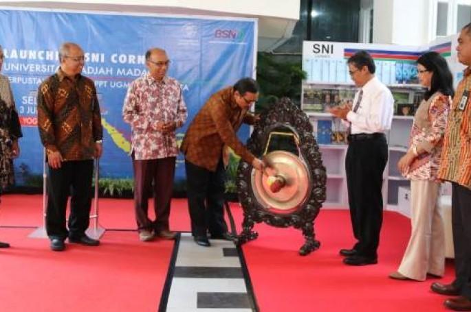 Kepala BSN resmikan SNI Corner di UGM. UGM kini punya 2 SNI Corner
